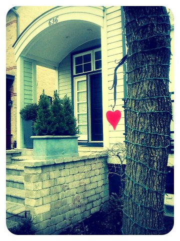 everyday beauty photo contest: red heart house
