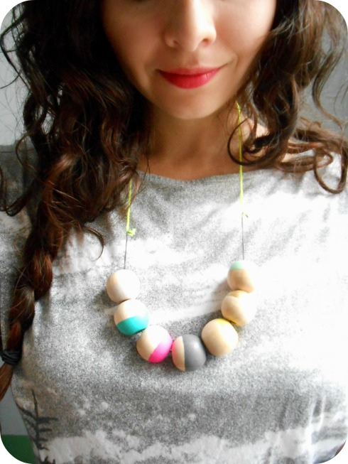 DIY: Painted Wooden Necklace